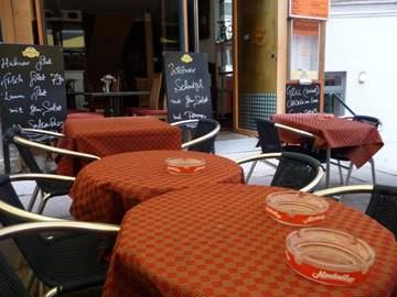 judi-castille-vienna-cafe-life