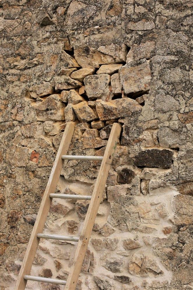Judi-Castille-The-barn-structural-crack